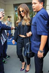 Kate Beckinsale Chic Outfit - Leaving Her Hotel in New York City 5/11/2016