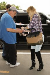 Kate Hudson at LAX Airport in Los Angeles 5/11/2016