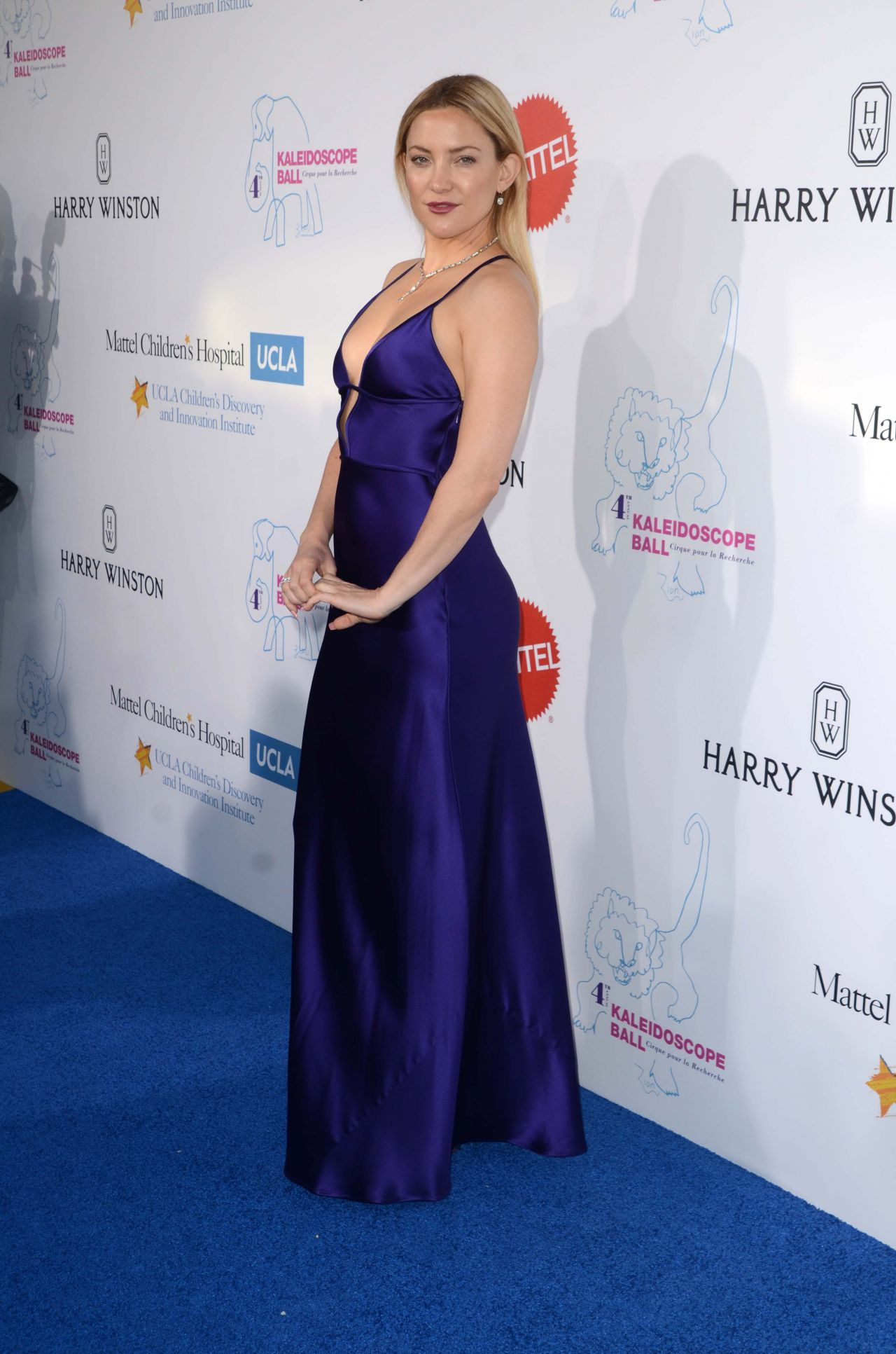 Kate Hudson Hot In Slinky Purple Gown Kaleidoscope Ball