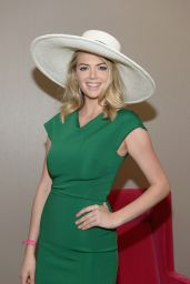 Kate Upton – 2016 Kentucky Derby at Churchill Downs in Louisville