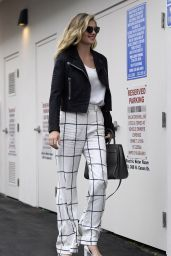Kate Upton Casual Chic Outfit -Beverly Hills 5/24/2016