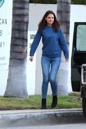 Katie Holmes at All Olympia Gymnastics Center in Los Angeles 5/7/2016