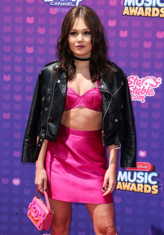 Kelli Berglund - 2016 Radio Disney Music Awards at the Microsoft Theater in Los Angeles