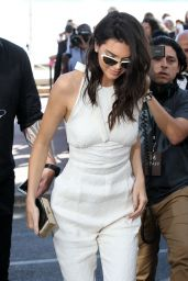 Kendall Jenner Chic Outfit - Unveiled as the new Magnum Global Ambassador Photocall in Cannes 5/12/2016