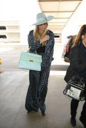 Kesha - Takes a Friday Night Flight at LAX AIrport in LA 5/20/2016