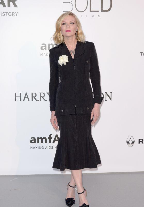 Kirsten Dunst – amfAR's Cinema Against AIDS Gala in Cap d'Antibes, France, 5/19/2016