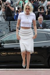 Kristen Stewart Arrives at Palais des Festival in Cannes, France 5/11/2016