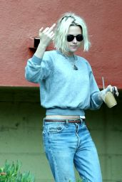 Kristen Stewart - Out in Los Feliz, 5/6/2016