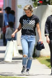 Kristen Stewart Street Style - Out in Los Angeles, CA 5/21/2016