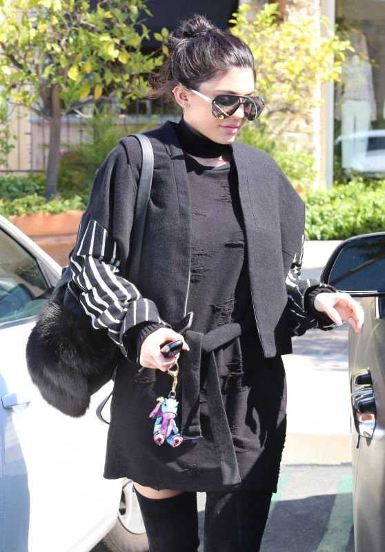 Kylie Jenner Urban Outfit - Out for Lunch in Calabasas 5/18/2016