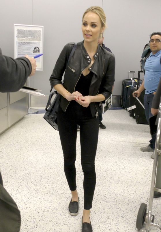 Laura Vandervoort Travel Outfit - LAX Airport in Los Angeles 5/29/2016