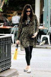 Liv Tyler Outfit Ideas - Shopping in NYC 5/23/2016