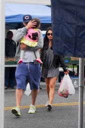 Mila Kunis and Ashton Kutcher at the Farmers Market in Los Angeles 5/29/2016
