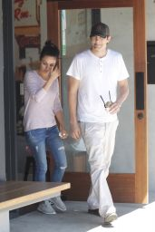 Mila Kunis - Indulge in Ice Cream After Shopping for a Cell at Verizon in Studio City 5/2/2016