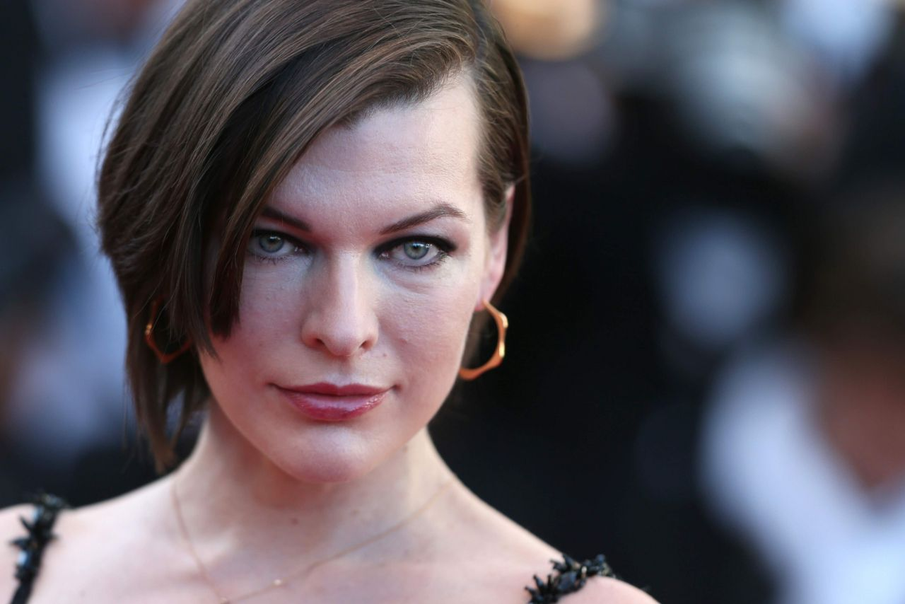 Milla Jovovich The Last Face Premeire At 69 Cannes