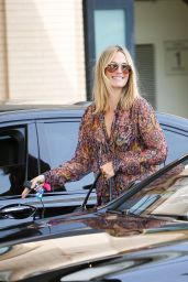 Molly Sims Cute Outfit Ideas - Seen in Beverly Hills, California 5/3/2016