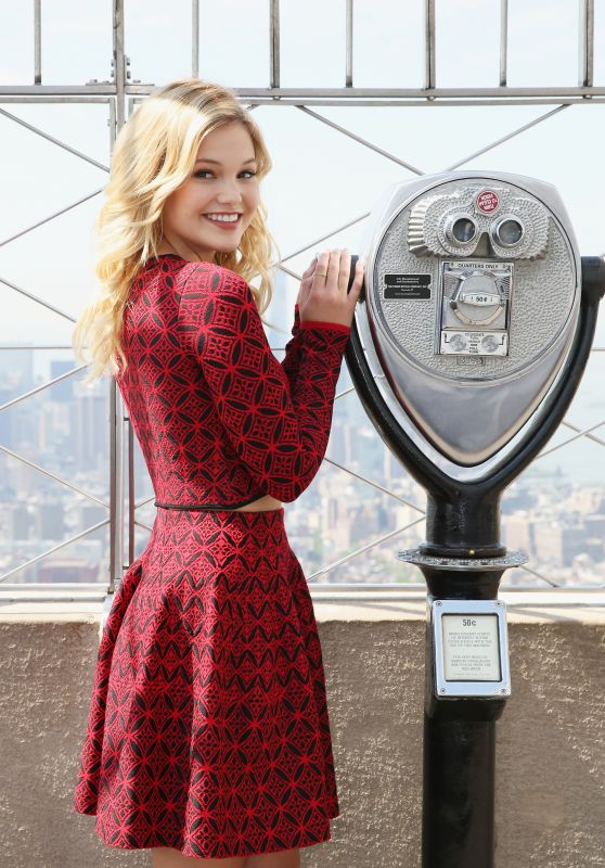 Olivia Holt at the Empire State Building in New York City 5/19/2016