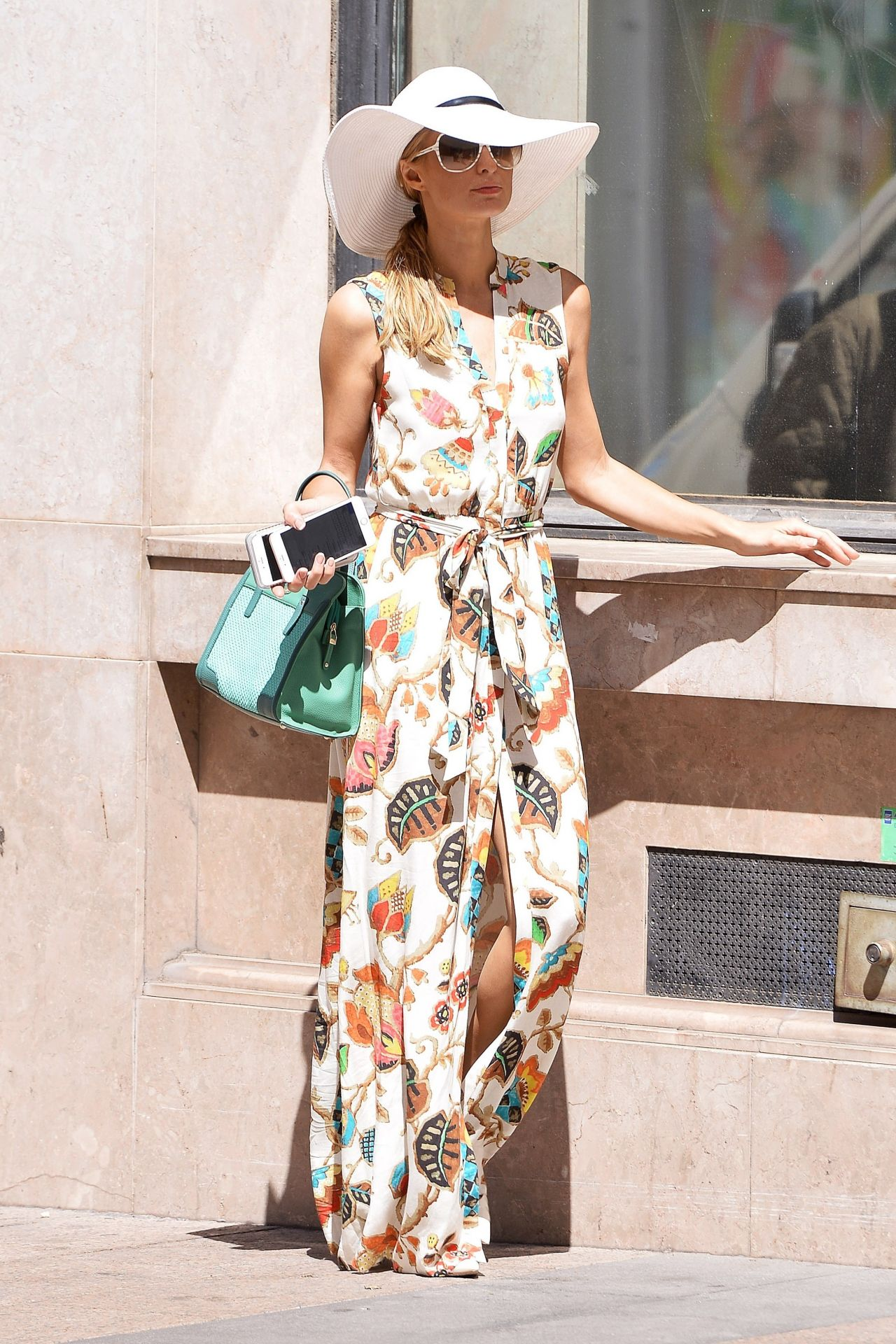 Paris Hilton Summer Outfit Ideas
