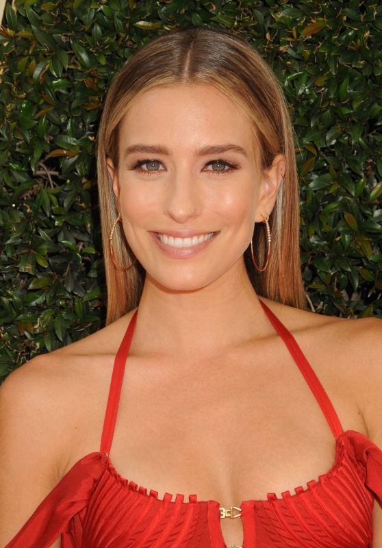 Renee Bargh – 2016 Daytime Emmy Awards in Los Angeles