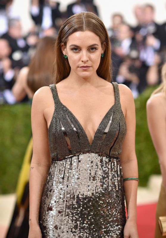 Riley Keough – Met Costume Institute Gala 2016 in New York