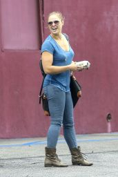 Ronda Rousey Street Style  - Head Out to Lunch in Glendale, 5/16/2016