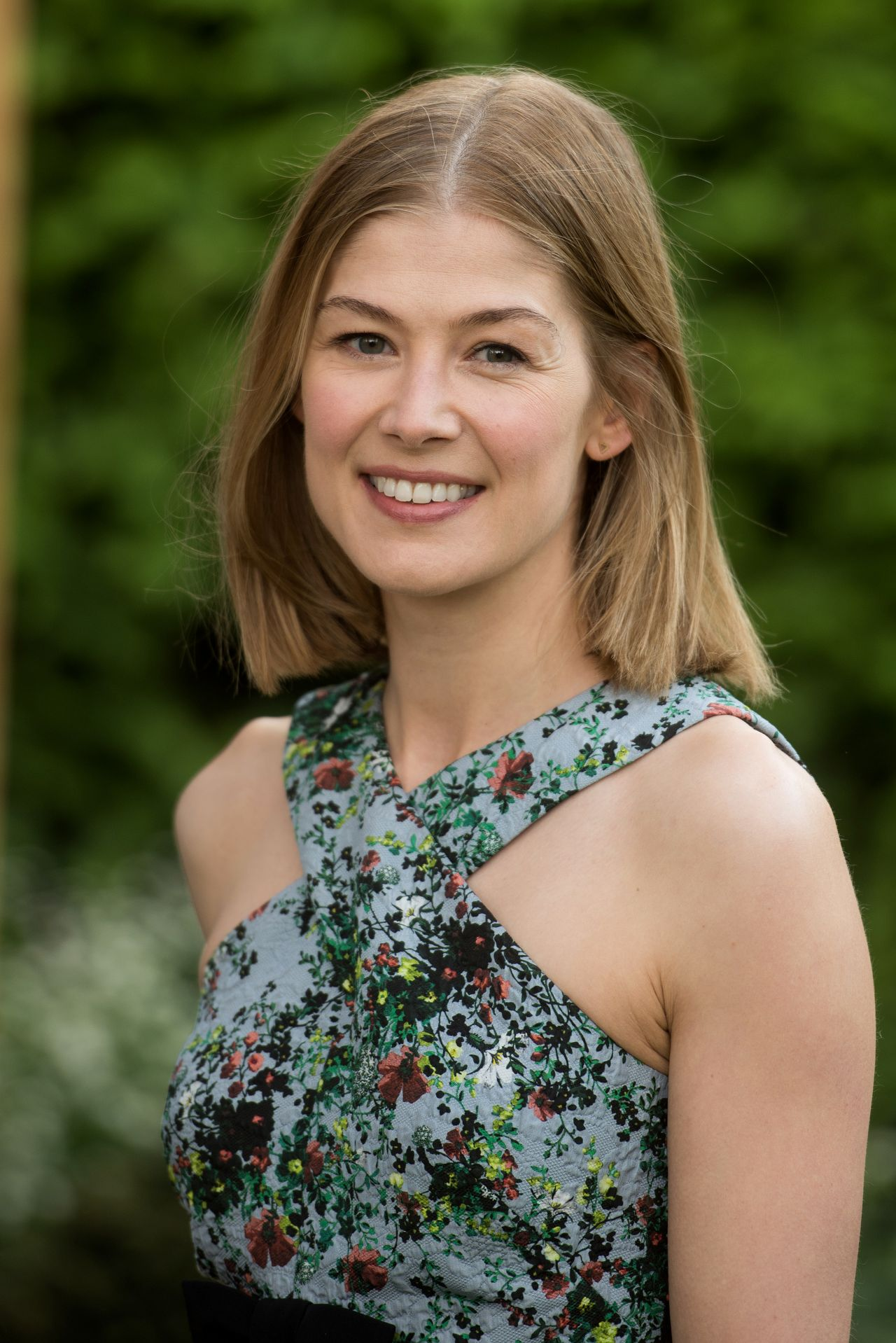 Rosamund Pike - 2016 RHS Chelsea Flower Show in London, UK ...