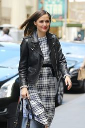 Rose Byrne Style Inspiration - Out in Manhattan 5/18/2016