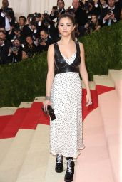 Selena Gomez – Met Costume Institute Gala 2016 in New York