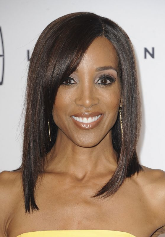 Shaun Robinson – Gracie Awards Gala at Beverly Wilshire Hotel, Beverly Hills 5/24/2016