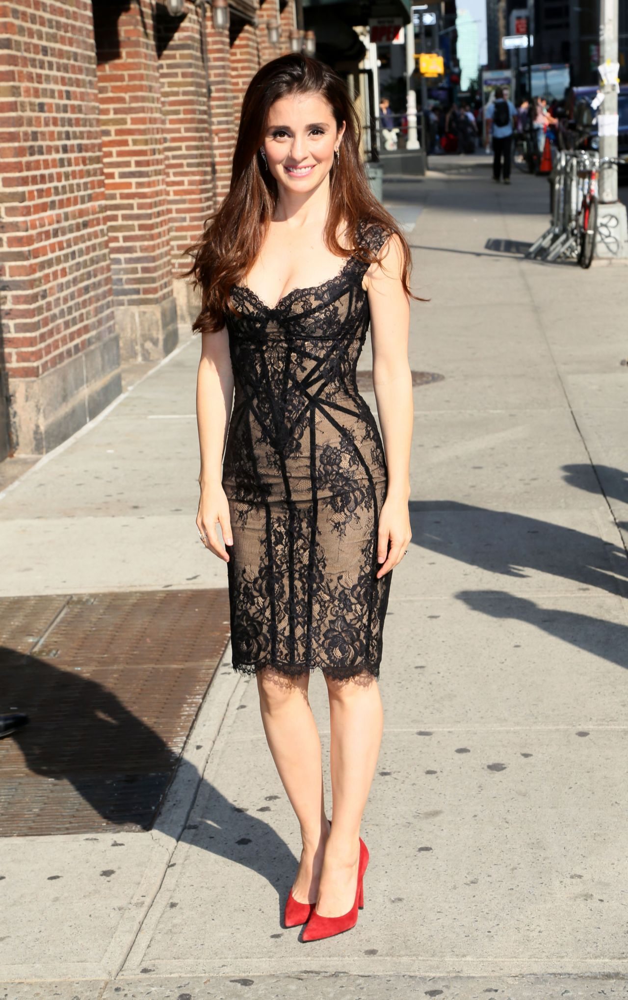Shiri Appleby At The Late Show In New York City May 2016