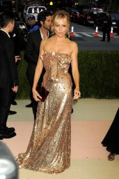 Sienna Miller – Met Costume Institute Gala 2016 in New York