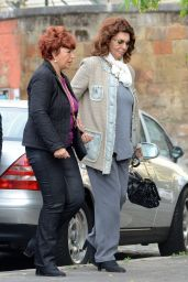 Sofia Loren - Outside the Clinic With Her Plastic Surgeon Trust Alfredo Romani in Rome 5/10/2016