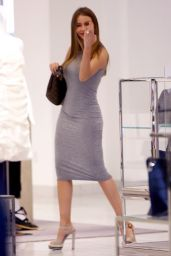 Sofia Vergara - Stops by Neiman Marcus for a Little Retail Therapy in Beverly Hills 5/3/2016