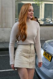 Sophie Turner Casual Chic Outfit - BBC Radio 2 Studios in London 5/6/2016