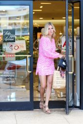 Tinsley Mortimer Cute Outfit Ideas - Shopping at Worth Avenue in Palm Beach 5/30/2016