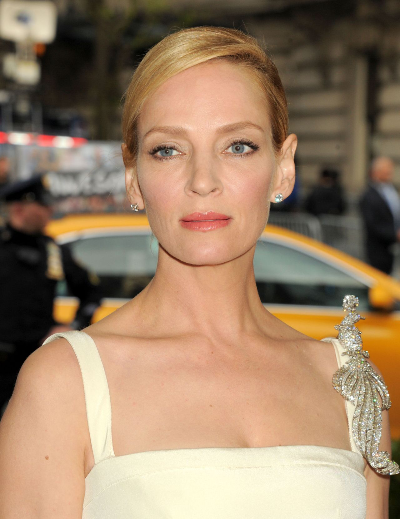 Uma Thurman – 2016 Met Gala Held at the Metropolitan Museum of Art ...