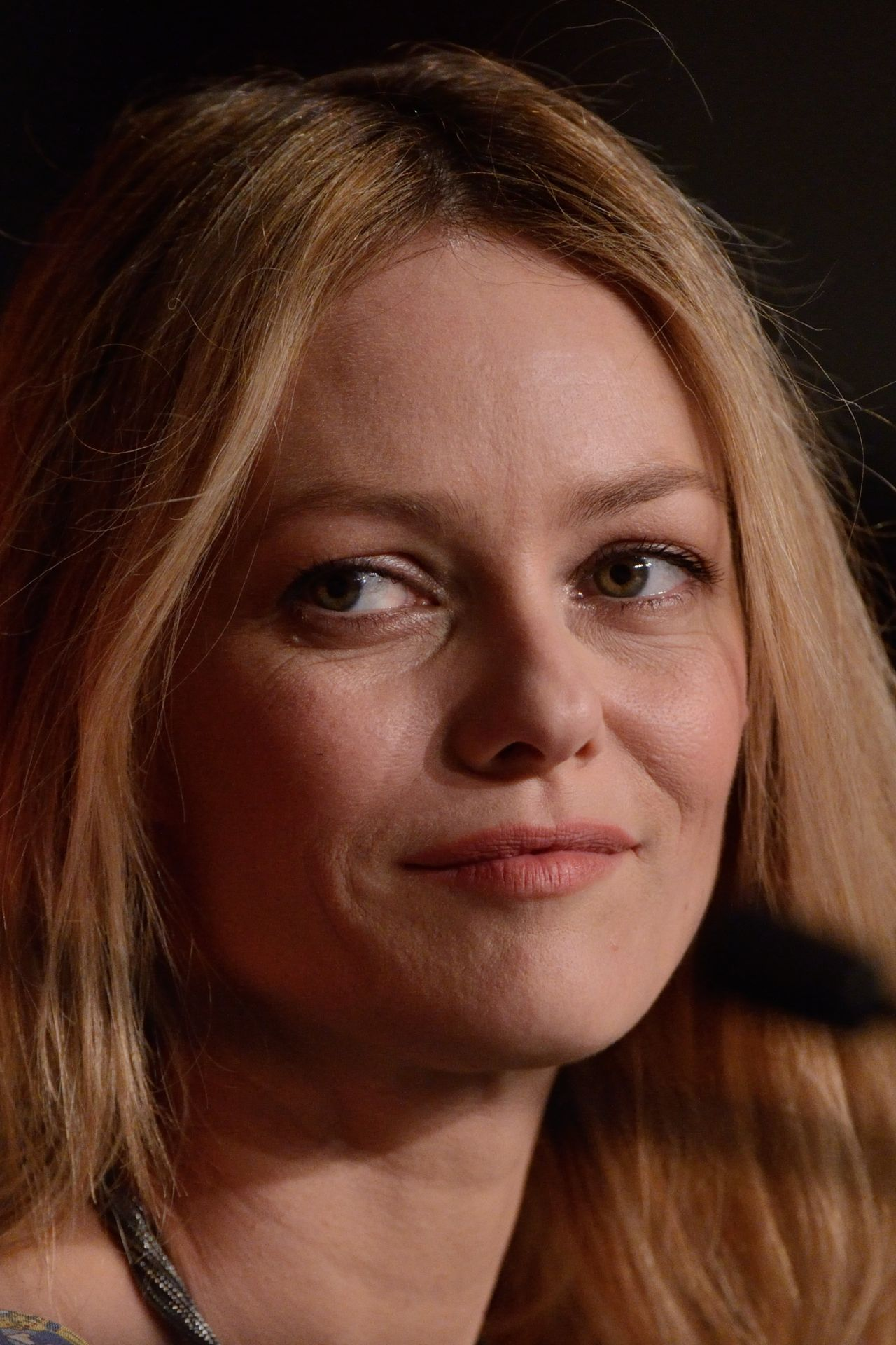 Vanessa Paradis Jury Press Conference 2016 Cannes Film Festival