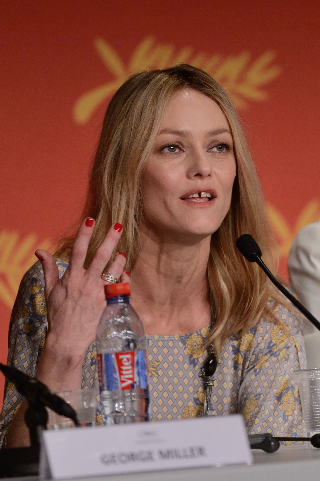 celebrities trands vanessa paradis jury press conference 2016 cannes film festival. Black Bedroom Furniture Sets. Home Design Ideas