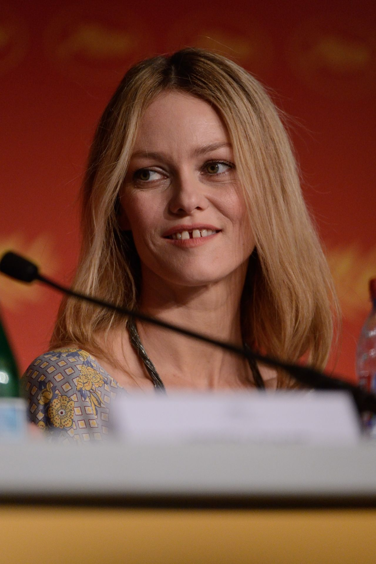 Vanessa Paradis Jury Press Conference 2016 Cannes Film
