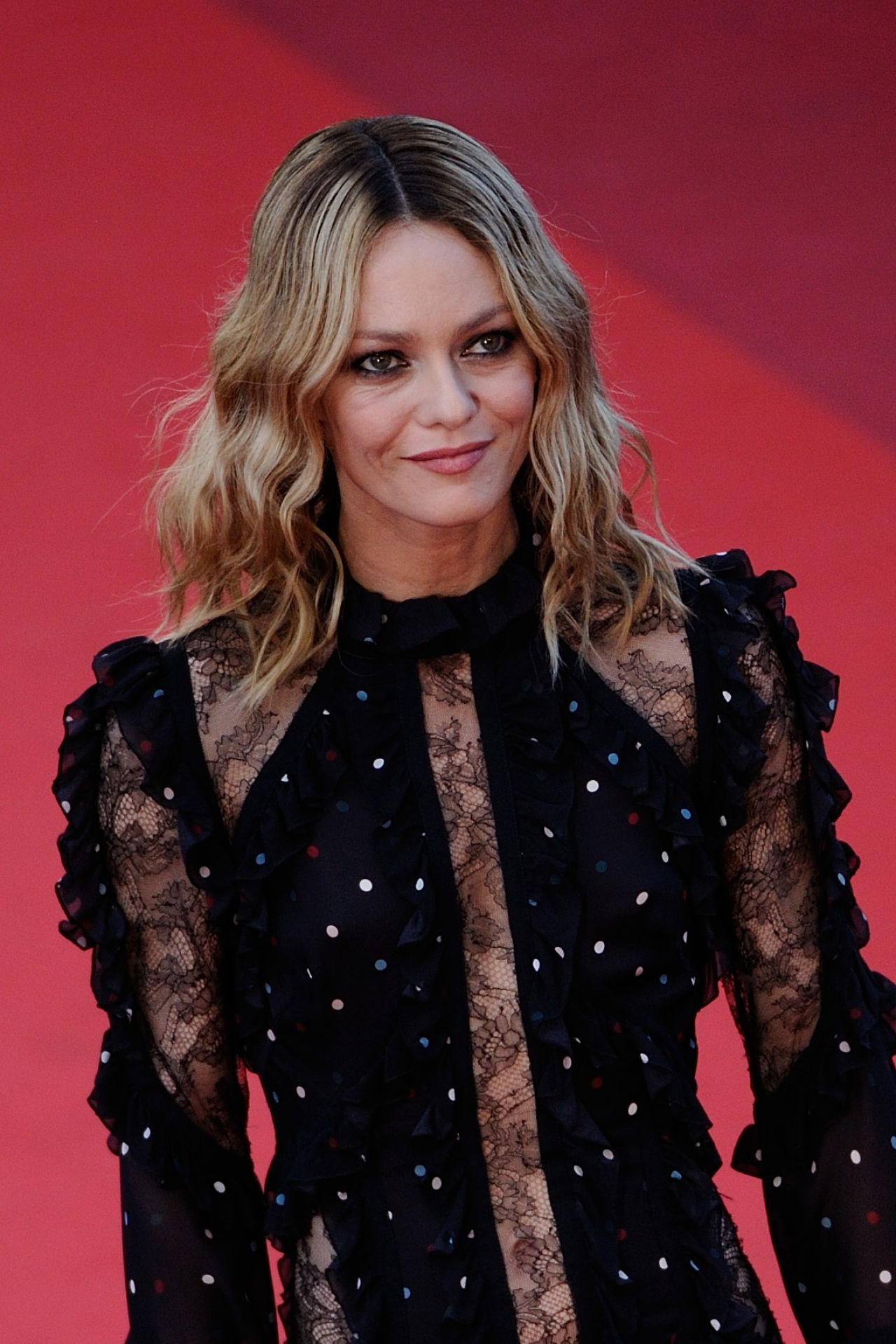 vanessa paradis 39 mal de pierres 39 premiere at cannes film festival 5 15 2016. Black Bedroom Furniture Sets. Home Design Ideas