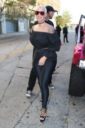 Amber Rose - Gives Big Donation to the Boys From the Unique Stars Youth Program in Hollywood 6/5/2016