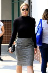 Abbie Cornish Chic Outfit - Shopping in Beverly Hills 6/17/2016