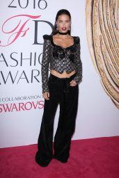 Adriana Lima – CFDA Fashion Awards in Hammerstein Ballroom, New York City 6/6/2016