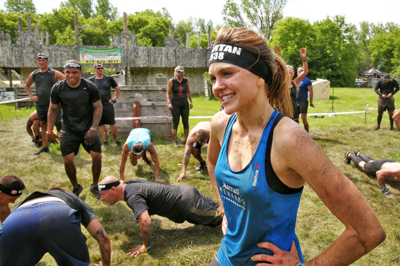 Aimee Teegarden Competing In The Spartan Super Race In