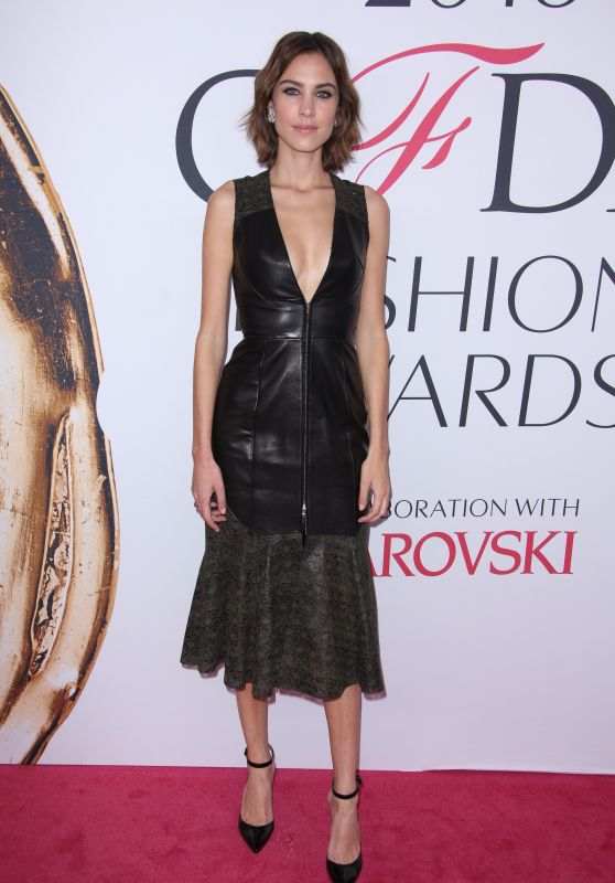 Alexa Chung – CFDA Fashion Awards in Hammerstein Ballroom, New York City 6/6/2016