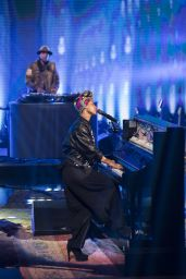 Alicia Keys - Performs at TV broadcast