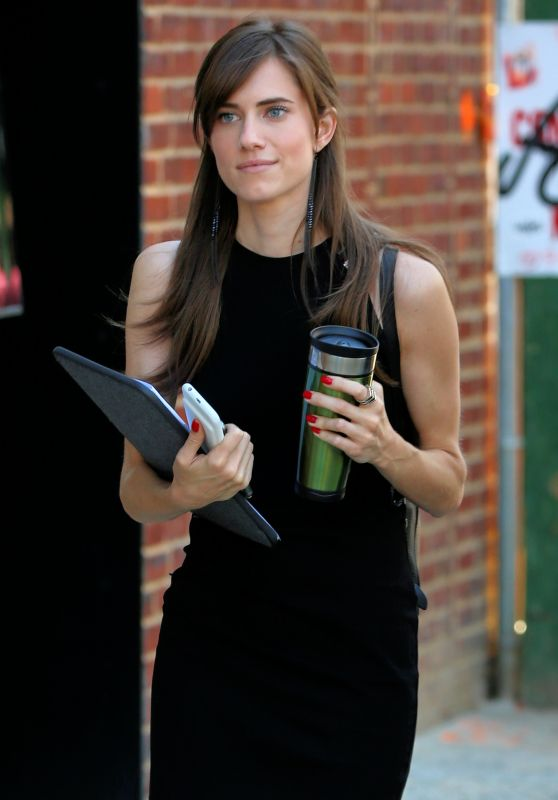 Allison Williams - Leaving the Set of HBO