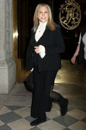 Barbra Streisand - Makes Her Way to the Tony Awards in New York 6/12/2016