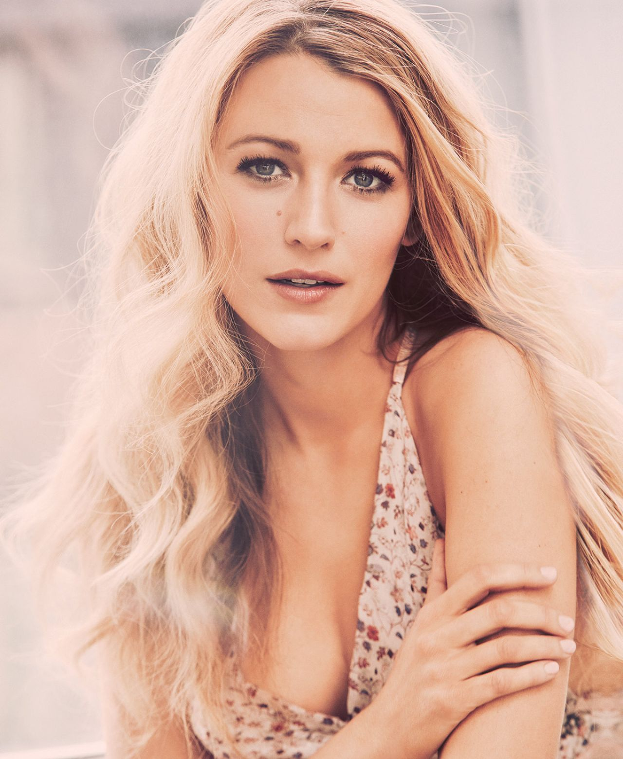 Blake lively the shallows 9