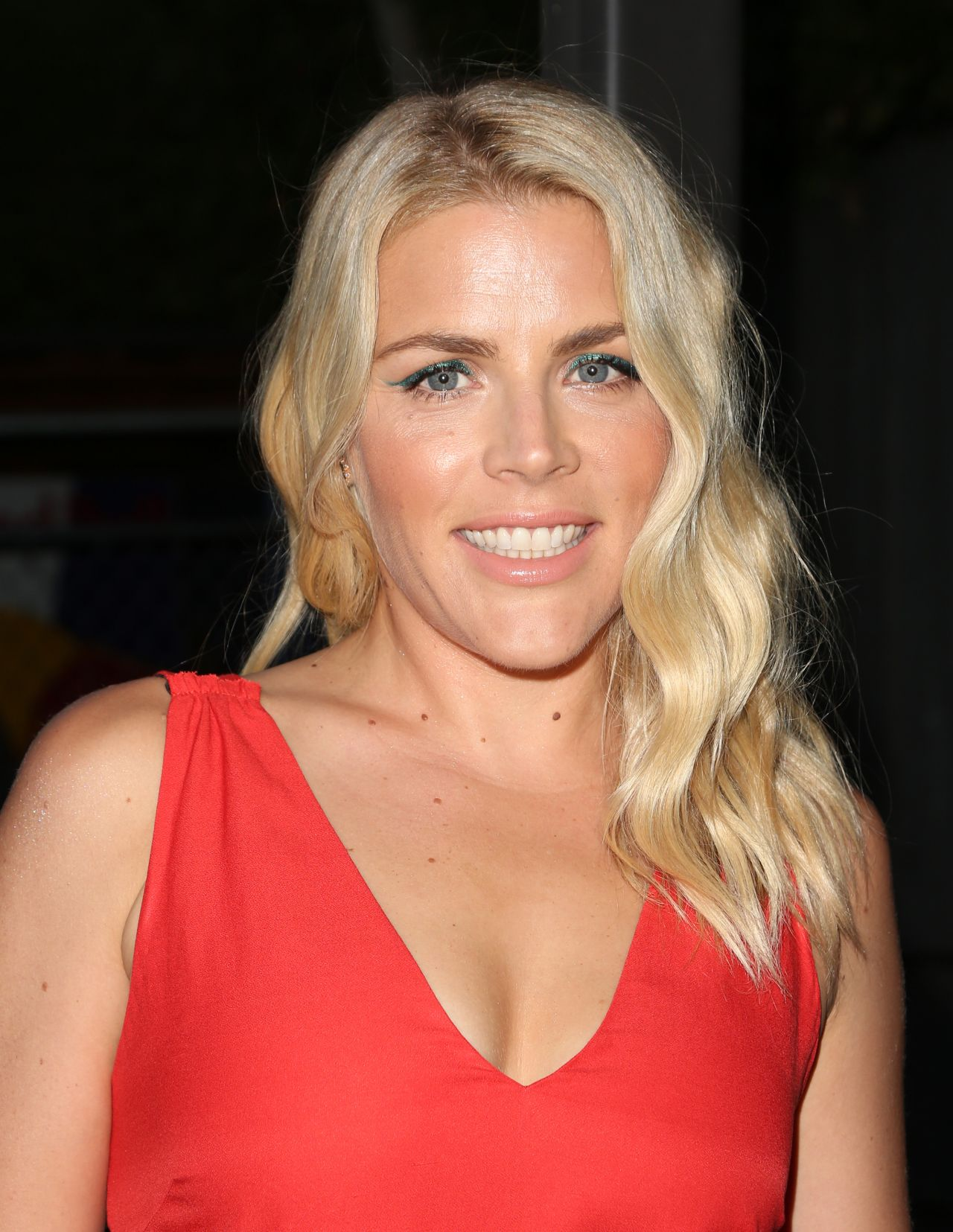Busy Philipps Elle Hosts Women In Comedy Event In West